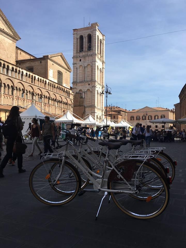 Le bici Lombardo al Festival del giornalismo